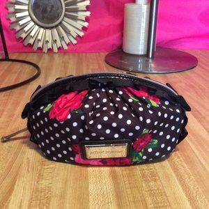 Juicy couture makeup pouch